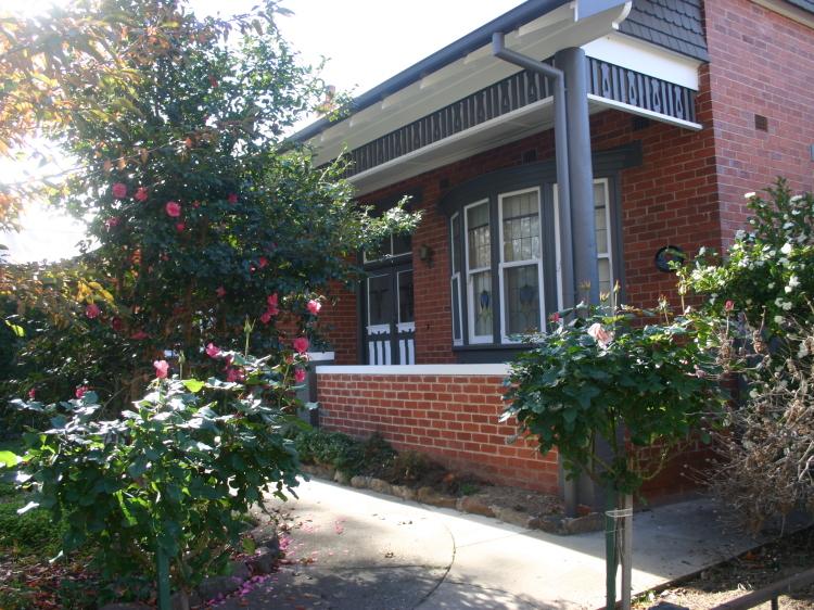 Primrose Cottage Red Brick